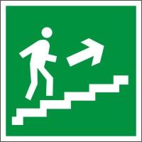 E15 Направление к эвакуационному выходу по лестнице вверх